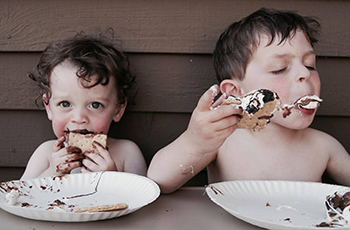 Picture Plymouth Photo Contest 2016 Grand Prize Winner, S'mores Brothers by Andrea Potashnick
